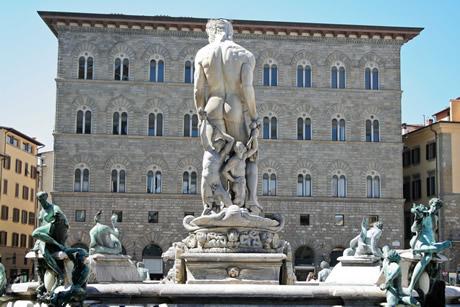 Neptune fountain in piazza della signoria Florence